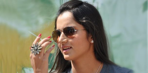 #SaniaMirza in #RayBan #Aviator #Sunglasses | Celebrity Sunglasses | Pinterest | Sunglasses, Ray bans and Kind of