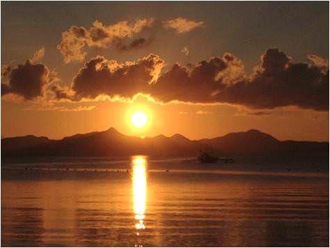 Puesta de Sol en Filipinas-Las Cabañas beach