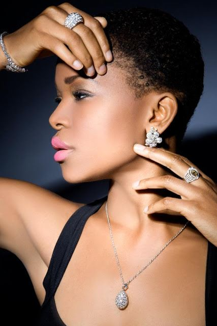 La Caja de Pandora: Thelma West, una perla rara nigeriana en el mundo ...