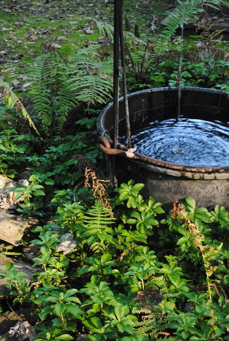 tranquility♥: Outdoor Dreams, Barrels Hot, Rain Barrels, Awesome Tubs, Gardens Fountain, Rain Buckets, Outdoor Bath, Hot Tubs, Shades Gardens