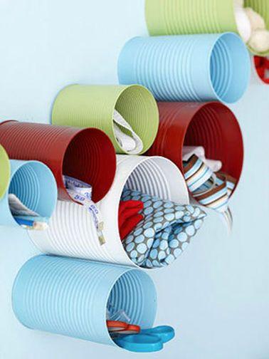 astuces rangement pour la chambre ou le bureau à fabriquer avec des boites de conserve peintes bien pratique pour ranger accessoires bureau, foulards...