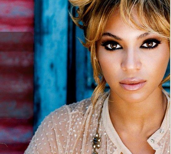 BeyonceEye Makeup, Beautiful Routines, Queens, Sasha Fierce, Dark Eye, Beyonce, Gorgeous Makeup, Smokey Eye, Hair