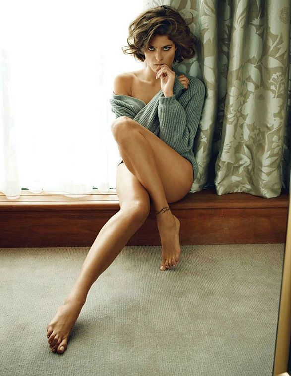 to show off your tattoo: Isabeli Fontana, Vogue India, Long Legs, Sexy Sweaters, Window, Over Sweaters, Great Legs, Photos Shoots, Isabelifontana