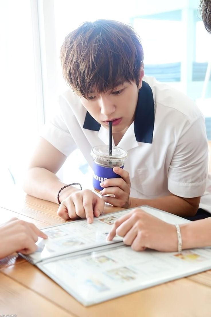 #MYUNGSOO #L #INFINITE #인피니트 myungsoo and his drink