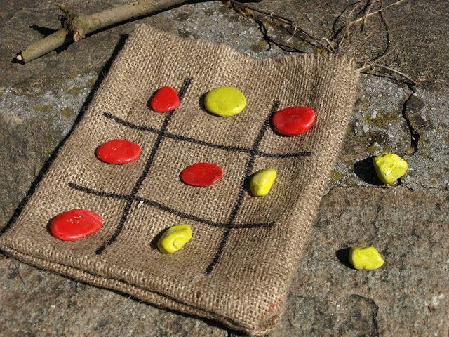 καρυδότσουφλο : Φτιάχνουμε τρίλιζα με πετρούλες και λινάτσα!