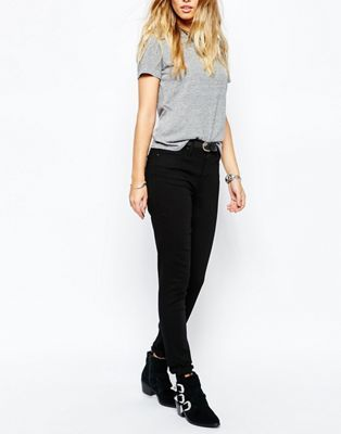 Levis, black high waist are the type of jeans I like, don't have to buy off this website. Ask tom if you need asos discount !!!
