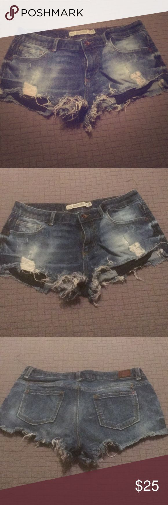 Jean shorts Tattered jean short shorts. Zara Shorts Jean Shorts