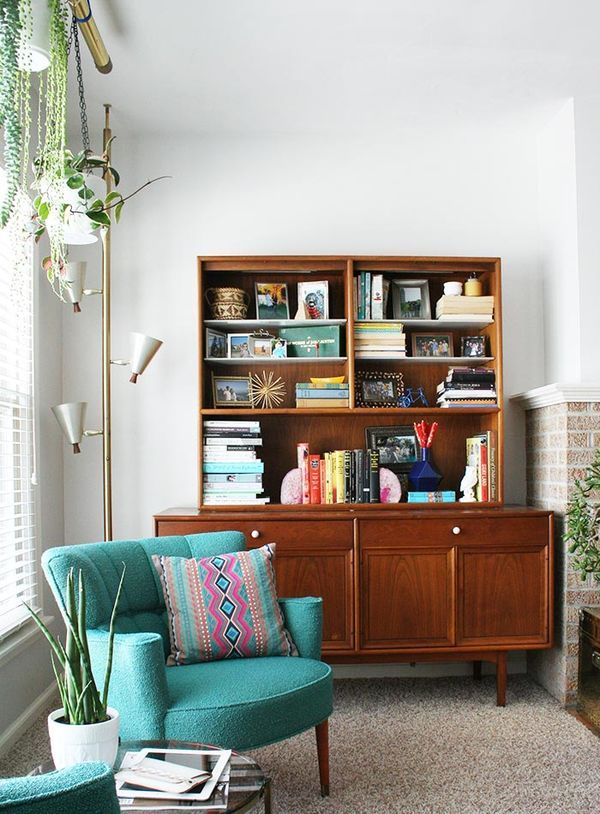 love that hutch and chair //