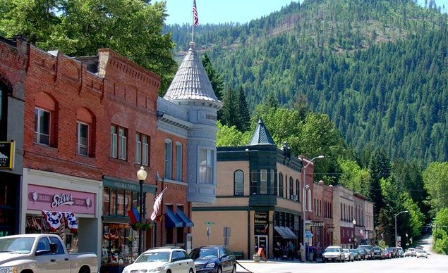 Wallace, Idaho (Winner 2009): Every single building in Wallace is on the National Register of Historic Places. Population: 1,000. (From: Photos: Coolest Small Towns in America )
