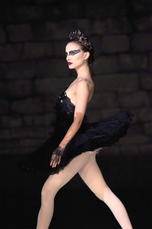23 Halloween Costume Ideas Inspired By Tv Movie Characters Black Swan Costume Black Swan Movie Natalie Portman Black Swan