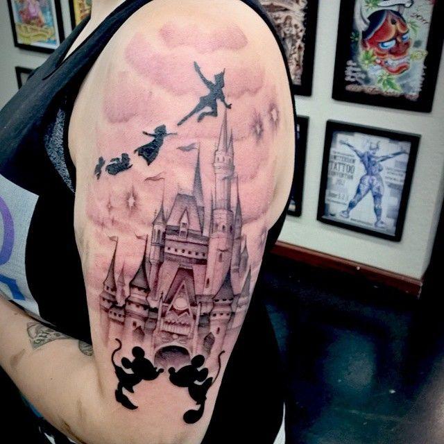 cinderella 39 s castle tattoo tattoo pinterest castle tattoo tattoo and piercings. Black Bedroom Furniture Sets. Home Design Ideas