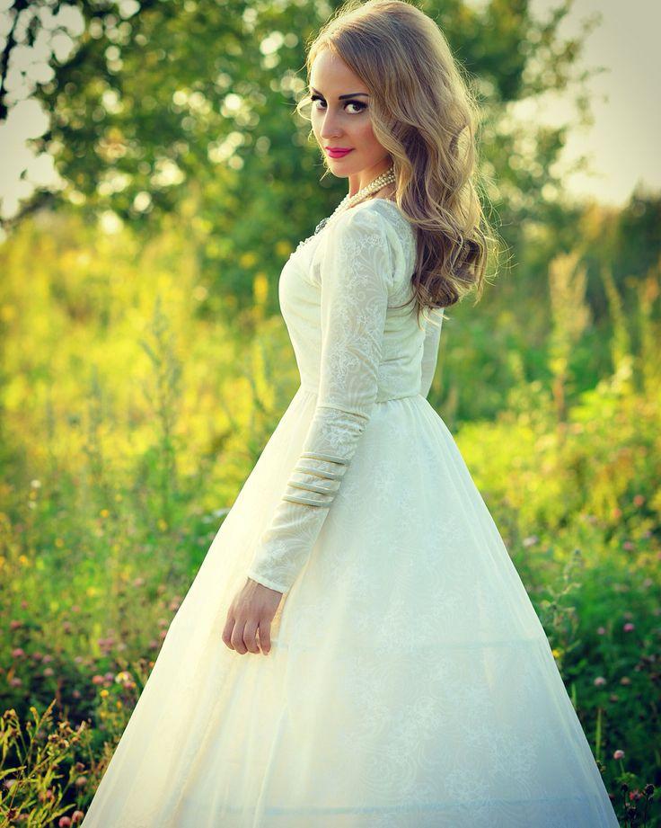wedding dress by Lunique