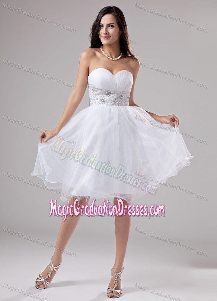 Knee-length A-Line Sweetheart Senior Graduation Dress Beading Decorate