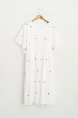 Cactus Stitch Ribbon Side Mid Length Dress, White