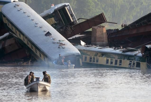 Pakistan train accident: 19 bodies recovered from canal. Watch Pakistani News Channels Live @ http://www.yupptv.com/ary_news_live.html http://www.yupptv.com/ary_news_live.html  Photo Credits: TheHindu