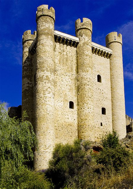 CASTLES OF SPAIN . - The Castle of Valencia de Don Juan, Leon.The castle was built in the  15th century. It was constructed on the site of another castle that had been erected on the ruins of a fortification dating back to the Iron Age. Valencia de Don Juan Castle is also known as Coyanza Castle