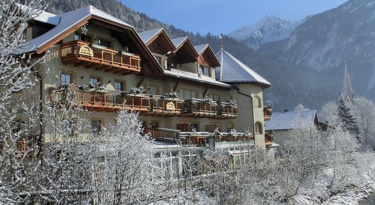 Hotel Alte Mühle Campo Tures Alte Mühle is in the mountains of South Tyrol, overlooking the Ahr Valley with its clear river and shady wood. The hotel features free Wi-Fi, an indoor swimming pool, and a wellness centre.