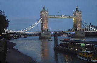 "I'm Italian, so why is ""The Mentor"" set in London? http://dld.bz/edqFC  #crimefiction #Italianfiction #crimethriller"