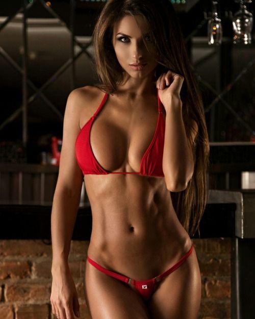 Daria Shy – Bikini Babe