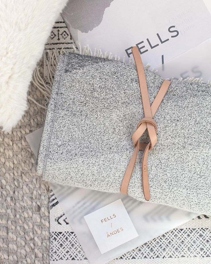 In love with with my new alpaca blanket and pillow from @fellsandes - I feel ready for the cold months to come now !
