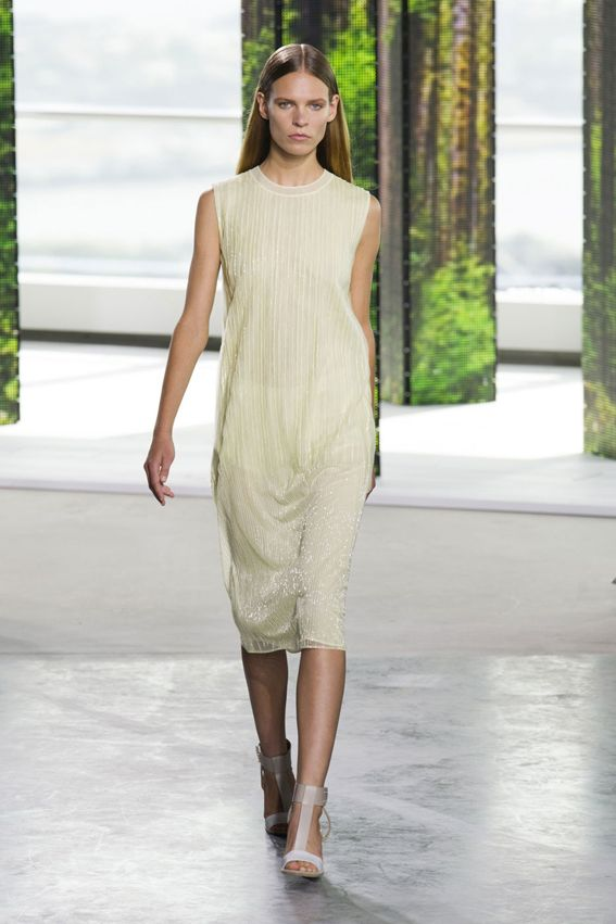 NY FW S/S 2015 Boss Women. See all fashions who at: http://www.bookmoda.com/?p=28982 #spring #summer #ss #fashionweek #catwalk #fashionshow #womansfashion #woman #fashion #style #look #collection #NY #bosswoman