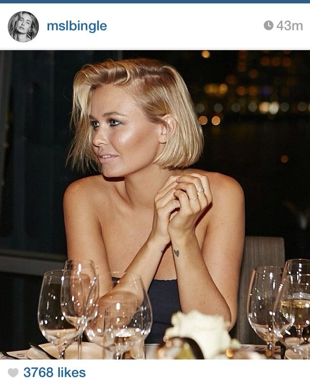 Lara Bingle | hair craze blazer