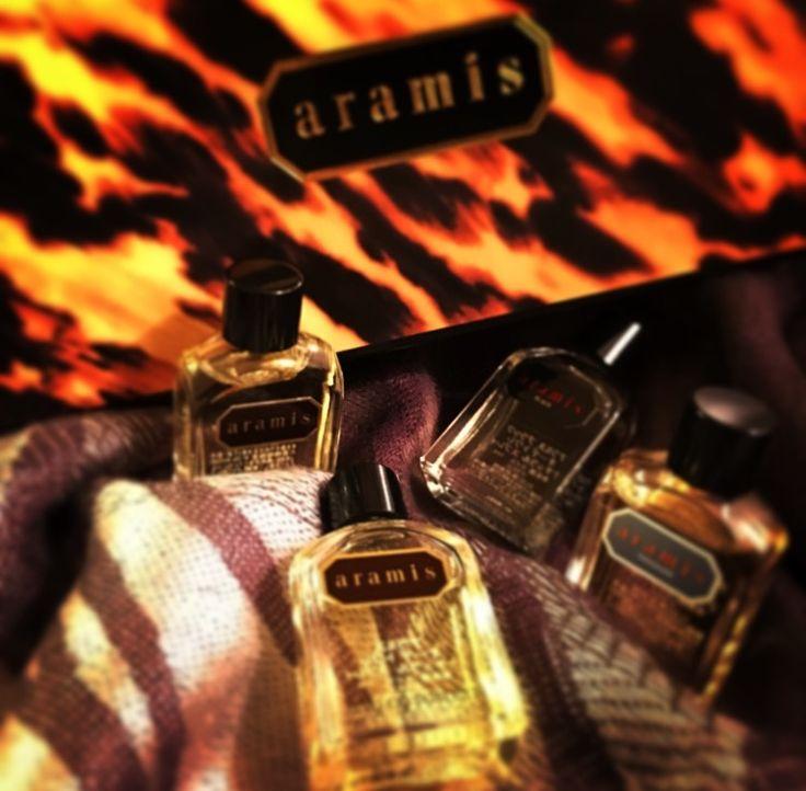 〝アラミス・ミニコレクション〟✨  ラスト1個をGETしました~★  3種類の香りとaramisの香りのアフター シェーブローション7mlサイズが ×4本入って¥5,000。  どこか懐かしいような、自分がまだ20代の頃に周りの素敵なオジサマ達から香ってきたような記憶が。。。  最近では、年齢に限らず男性の香りに対する意識も高くなってきているようです。  男性では40代以上で体臭を予防したり軽減する為のニオイ対策として  〝香水の使用〟が断トツだそうです。  一方で、男性の香水の使用に対してのネガティブな声も。。  〝ニオイ〟に対する自分の常識が他人の 非常識だったりするコトに気付かされますよ  (ノД`)・゜・。  続きはコチラから➡︎➡︎➡︎ http://s.ameblo.jp/bienfukuoka/entry-12217658283.html  #シニア #フレグランス #香水 #スメハラ #体臭 #バブル世代 #身だしなみ  #男 #老化 #アラミス #TNC #福岡