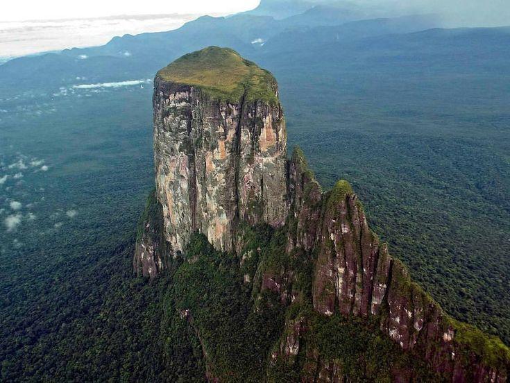 Escudo Guayan 233 S On Venezuela Amazonas Y Lugares Historicos
