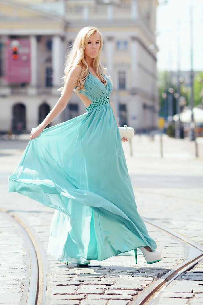 long-aquamarine-prom-dresses-with-sleeh-heels-4.jpg (700×1054)