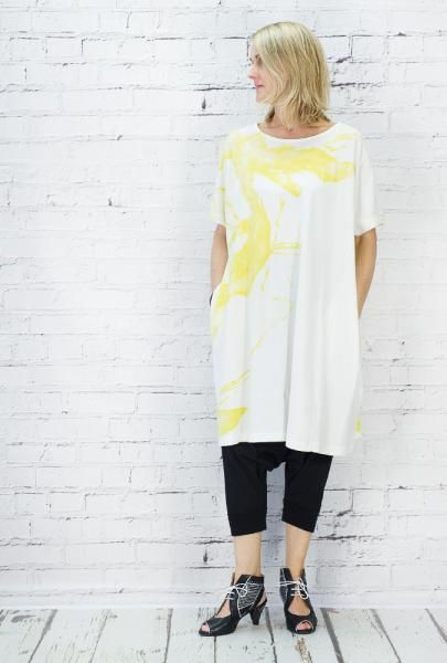 Moyuru Short sleeved jersey tunic with abstract print design. 100% cotton, handwashable.