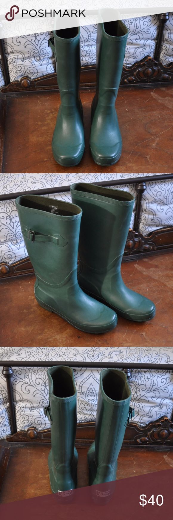 L.L. Bean Wellie Rain Boots Forest Green Rain Boots from L.L. Bean Lightly worn but in excellent condition! Size 9, calves are spacious and fit comfortably with plenty of room L.L. Bean Shoes Winter & Rain Boots