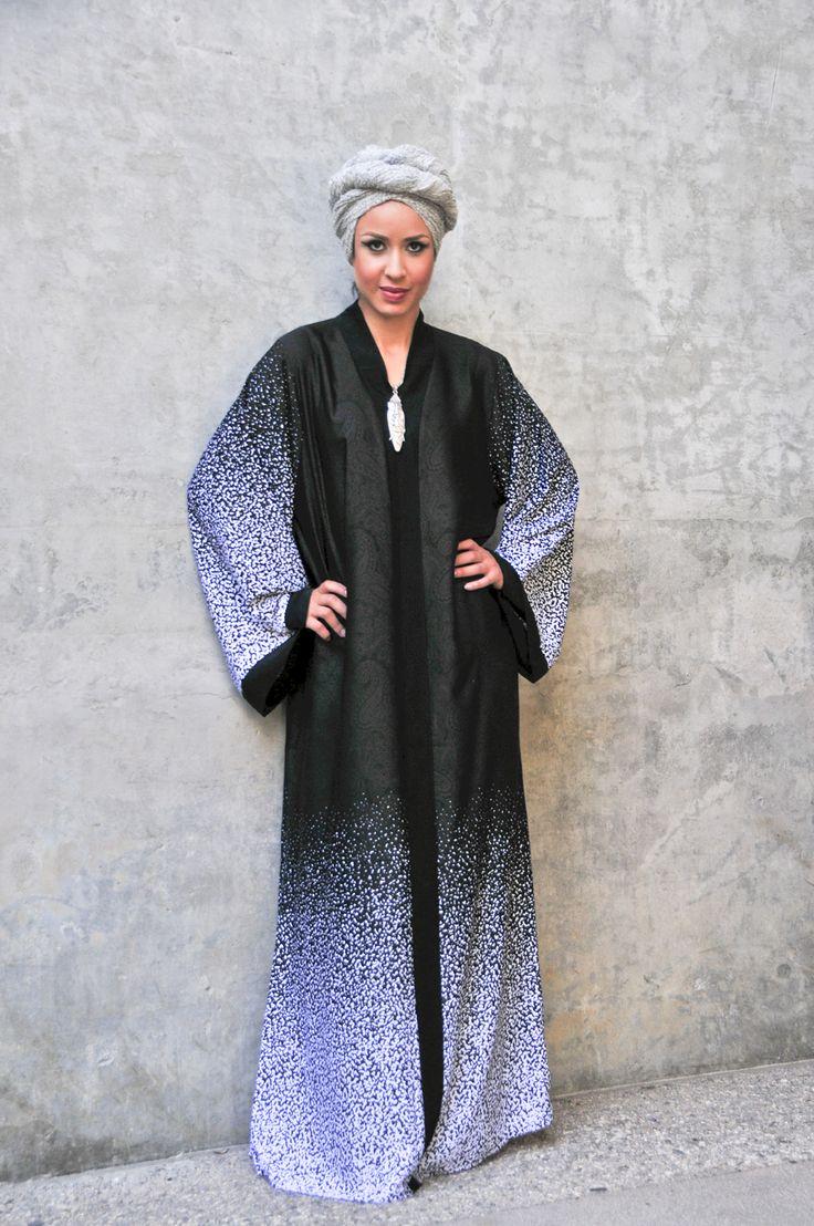2016 Black+White Paisley Print Abaya