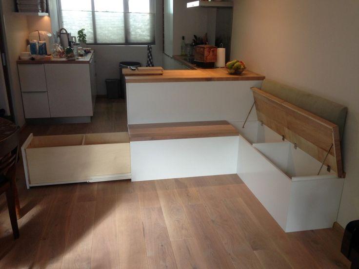 hoekbank keuken | twee afzonderlijke kleppen van eikenhoute vloer delen