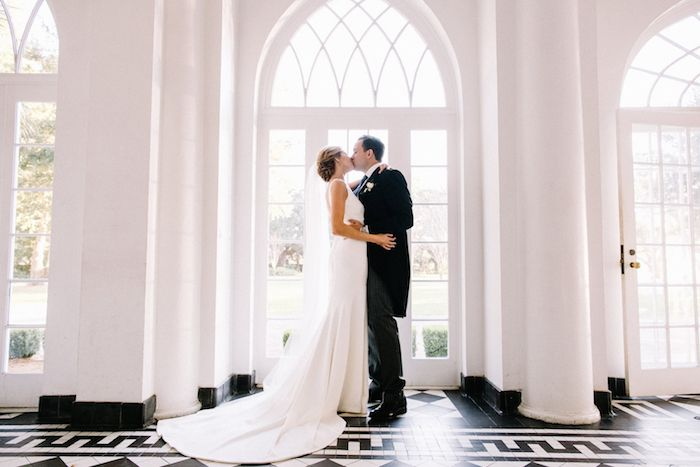Destination: I Do! The PPHG event experts share why planning a destination wedding in Charleston, South Carolina is easier than you think | Lowndes Grove Plantation | Photo by Sara Bee