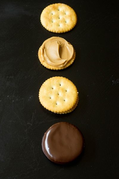 Chocolate Covered Peanut Butter Ritz Sandwiches!!! only 4 ingredients!