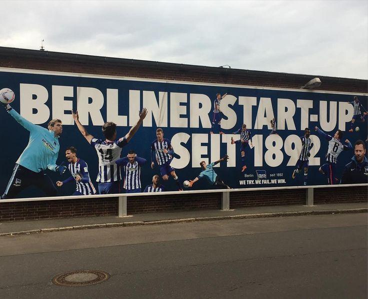 """Alles noch ganz ruhig vor dem Spiel gegen den HSV heute im @olympiastadionberlin. #BSCHSV Bin mir nicht so sicher wie der Slogan """"We try.We fail.We win."""" So ankommt@herthabsc? Egal Hauptsache Fußball. Passend dazu mein  Lieblingsspruch letzten Sonntag beim @berlinmarathon; war echt der schmunzelt des Tages: """"Marathon: Wenn es einfach wäre hieße es ja Fußball!""""  in diesem Sinne auf einen schönen Spieltag! #2016in2016 #ditisberlin #nurnachhausegehnwirnicht #running #earlybird #picoftheday…"""