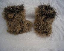 Botas furry, nieve Botas pre caminantes, handknit, botines marrones, patas altas, botines peludos, botas, funky, baby babyshower, hecho por encargo