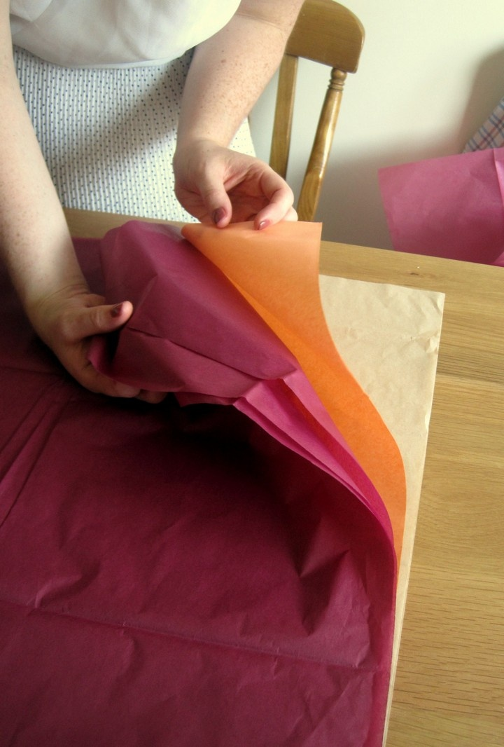 DIY Tutorial: Tissue Paper Pom Poms – I actually made these!  This tutorial is G