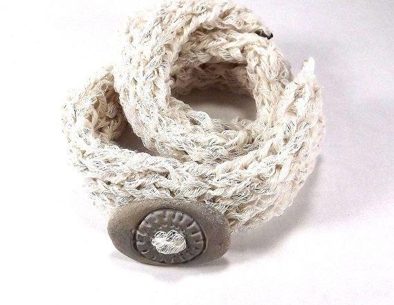 Knitted bracelet with Baltic beach stone. Bracelet with pendant. Sun action, dynamism, vitality. Natural clock of the people Balticstone on Etsy #knittedjewelry #iloveknitting #jewellrywithstone #balticstone #Latvia #etsyhandmade