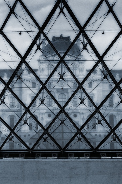 Beautifull picture! Louvre pyramid by I.M. Pei - Paris. More inspirations at http://www.brabbu.com/en/inspiration-and-ideas/ #LivingRoomFurniture #LivingRoomSets #ModernHomeDéc