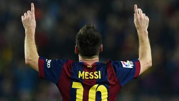 #Barcelona #Messi >> @PurelyFootball VIDEO: Leo Messi equals all-time La Liga goal scorer record with this free-kick. Brilliant!