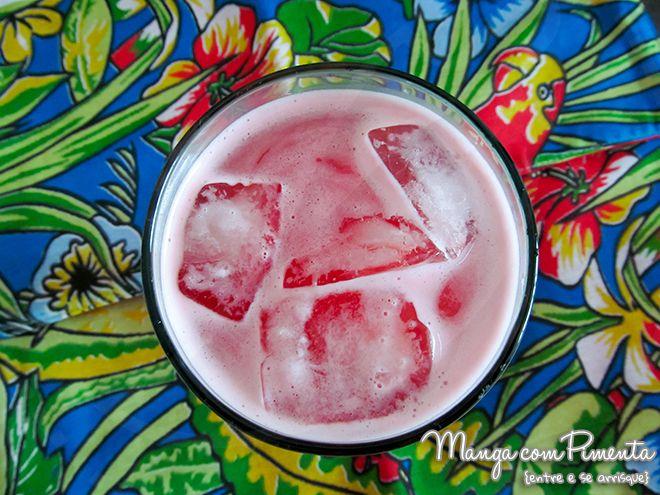 Um mês e um brinde com suco de melancia, essa receita é ótima para o verão. Clique na imagem para ver a receita no blog Manga com Pimenta.
