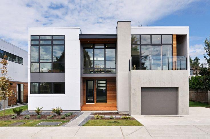 Beachaus II / Inhaus Development.