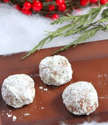 Rumchata Balls - quick, easy, and no bake!