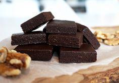 Gör nyttigt julgodis i år. Julgodis behöver inte innehålla raffinerat socker, sirap och mjöl. Testa nyttig julfudge utan mejeriprodukter och gluten!