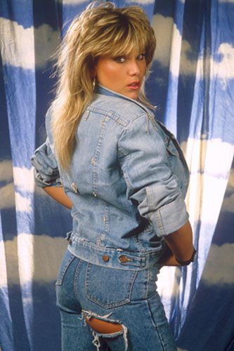 Samantha Fox 80s | The beautiful Samantha Fox has layers and plenty of blow dried ...