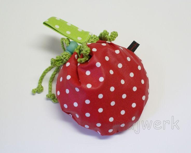 Fahrrad-Lenker-Tasche Erdbeere rot hellgrün von majwerk auf DaWanda.com