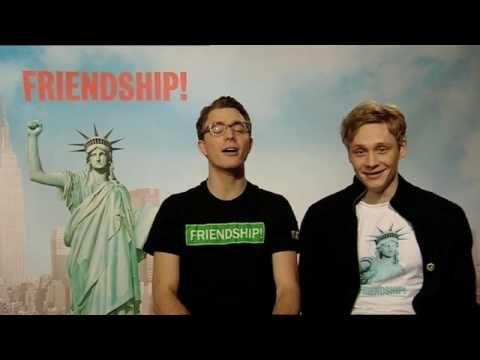 ▶ FRIENDSHIP! - Englisch-Kurs mit Matthias Schweighöfer & Friedrich Mücke - YouTube