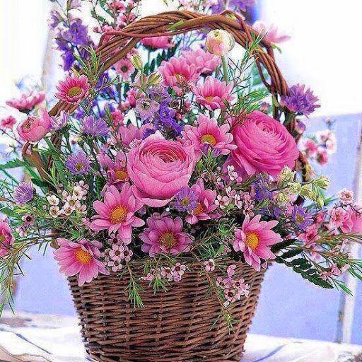 Resultado de imagem para beautiful basket of flowers