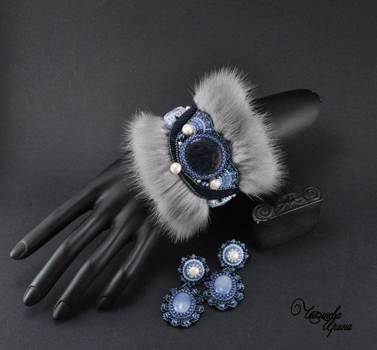 """Купить Комплект """"Зимние узоры"""" - голубой, синий, браслет, серьги, кулон, вышитый браслет"""